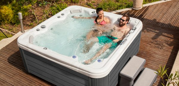 Wellis | MyLine Hercules Seat Feature Lifestyle Porch